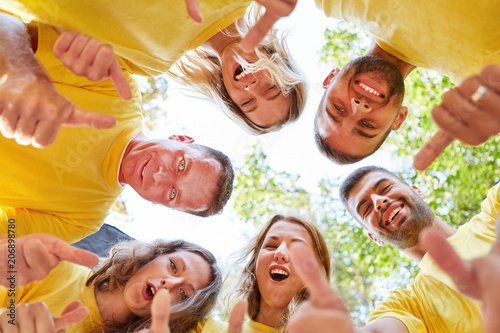 Fotografie, Obraz  Junge Mannschaft als erfolgreiches Team