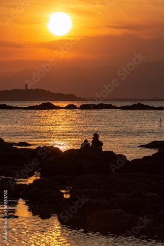Poster Cuban Red 葉山町の海岸からの夕日