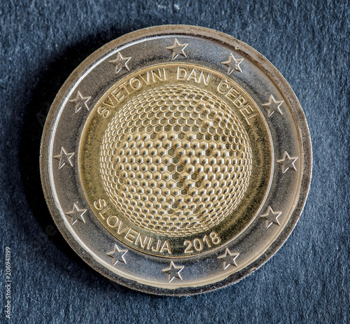 Fotografía  National side of two euro coin issued by Slovenia 2018