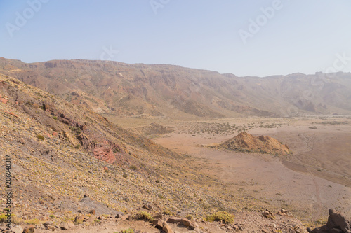 Foto op Aluminium Zalm Fantastic martian landscape. Mars surface landscape with explorers in distance. View of the red terrestrial planet
