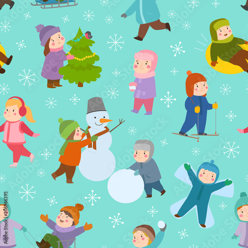 Photo  Kids winter Christmas games playground children playing sport games of kinds sno