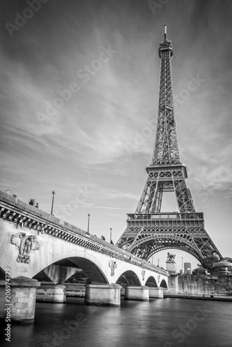 Poster de jardin Europe Centrale Iena bridge and Eiffel tower, black and white photogrpahy, Paris France
