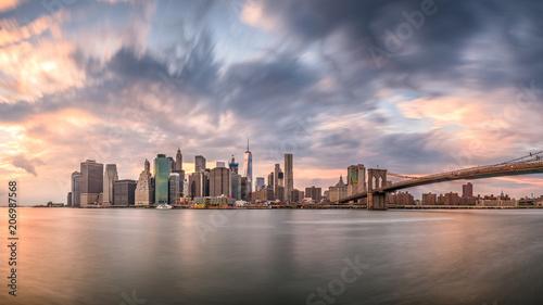 Photo Stands New York New York City Dusk Skyline