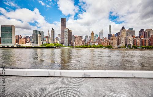 Foto op Plexiglas New York City New York City skyline seen view from the Roosevelt Island, USA.