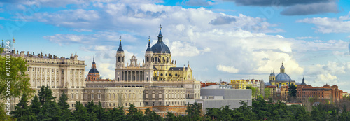Foto op Aluminium Madrid anta Maria la Real de La Almudena Cathedral and the Royal Palace