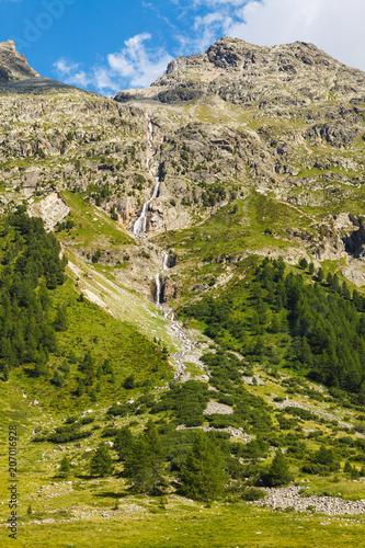 Papiers peints Muraille de Chine Swiss Mountains