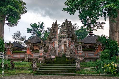Fotobehang Bedehuis Balinese temple