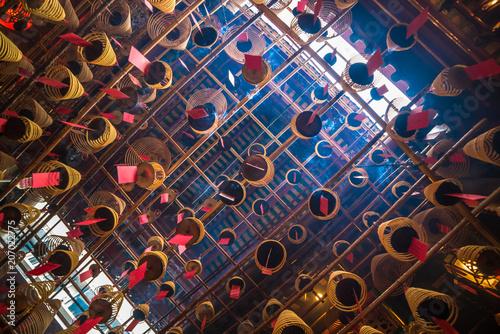 Tuinposter Aziatische Plekken Interior of Man Mo Temple in Hong Kong