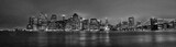 Fototapeta Nowy Jork - New York skyline Manhattan di sera in bianco e nero