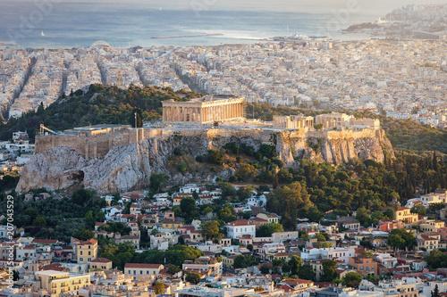 Die Akropolis und der Parthenon Tempel von Athen, Griechenland bei Sonnenuntergang
