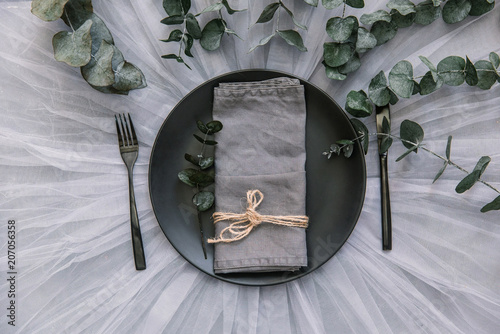 Fotografía  Flat lay table setting with linen napkin