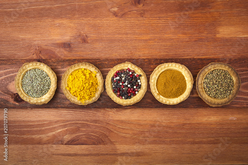 Fotobehang Kruiderij Tartlets with spices