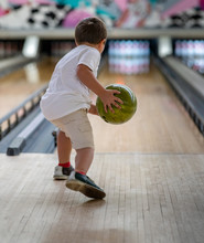 Youth Two Handed Bowling.