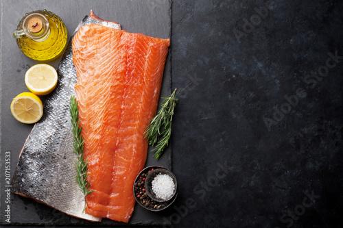 Fotomural  Raw salmon fish fillet