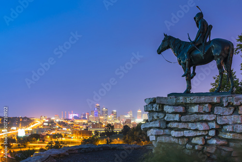 Foto op Canvas Verenigde Staten kansas,missouri,usa. 09-15-17, beautiful Kansas City skyline at night.