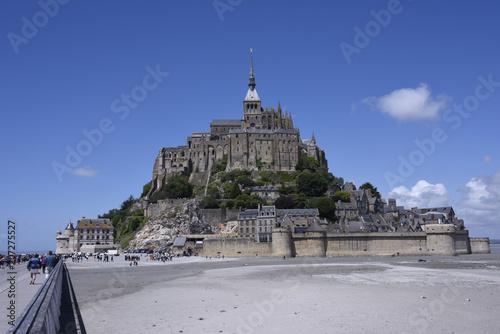 View of Mont Saint Michel. Francia плакат