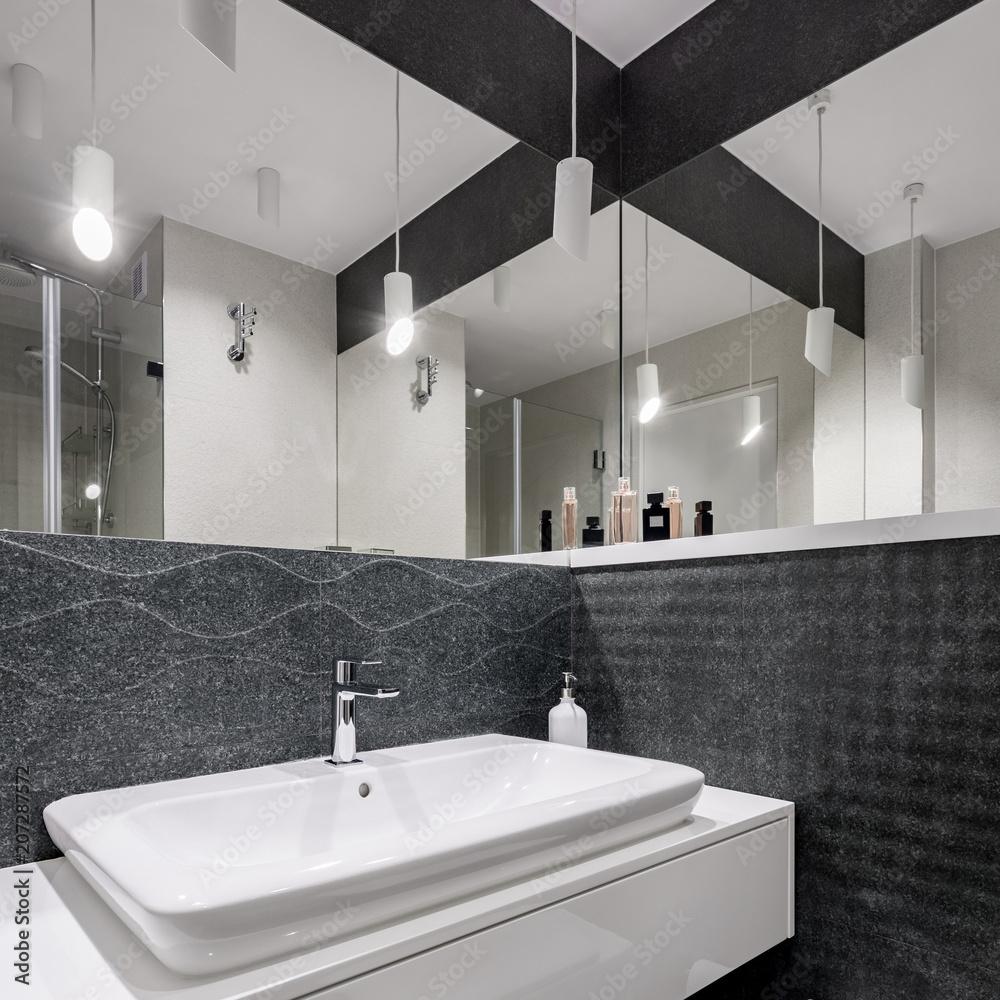 Czarno Biała łazienka 207287572 Czarny Fototapeta