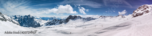 Foto op Aluminium Alpen schneeferner glacier and the alps in the background high definition panorama in the winter