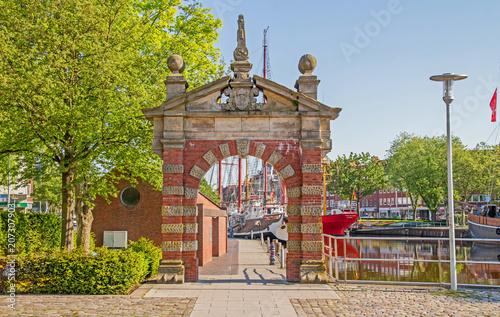 Emden - Hafen - Nordertor Fototapeta