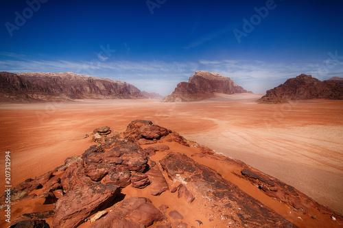 Fotobehang Koraal Landscape in Wadi Rum