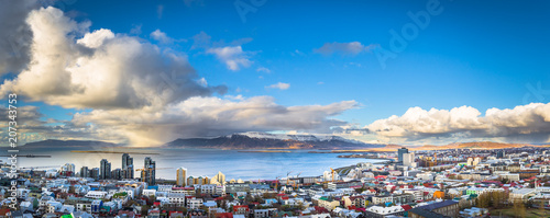 Reykjavik - May 01, 2018: Panoramic view of Reykjavik from the Hallgrimskirkja c Fototapet
