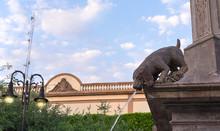 Dog Stone Statue Water Fountai...