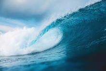 Ocean Barrel Wave In Ocean. Br...
