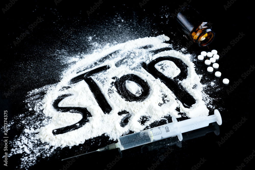 Fototapeta Drugs, syringe and pills. The inscription