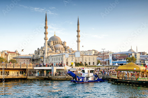 Fotografia  ISTANBUL, TURKEY - October 6, 2015: View of the Suleymaniye Mosque and fishing b