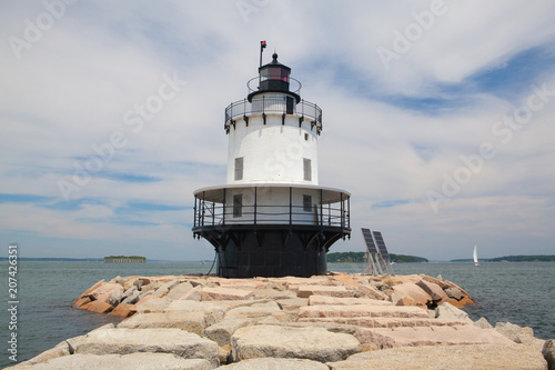 Foto op Aluminium Vuurtoren Portland Breakwater Lighthouse (Bug Light) is a small lighthouse at the south Portland Bay, Portland, Maine, USA.It was built in 1875 and is one of Maine's most elegant lighthouses.