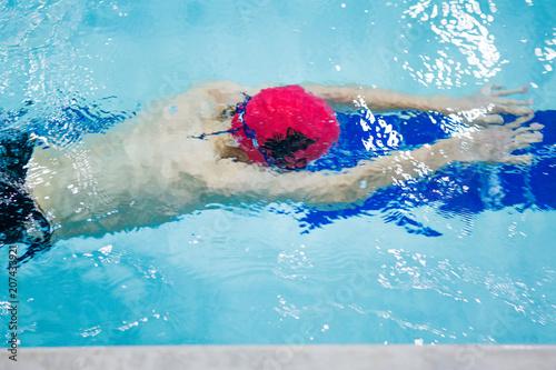 Swim Practice Kaufen Sie Dieses Foto Und Finden Sie ähnliche