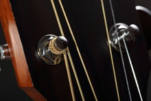 Guitar Head With Tuning Pegs C...