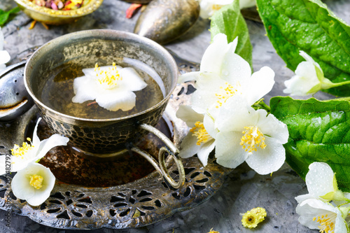 Green tea with jasmine Canvas Print