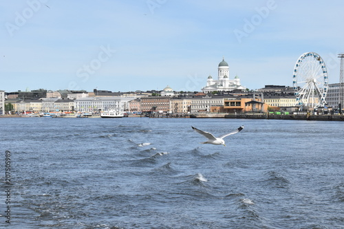 Canvas Print The Old Town of Helsinki from the ferry on the way to Suomenlinna island