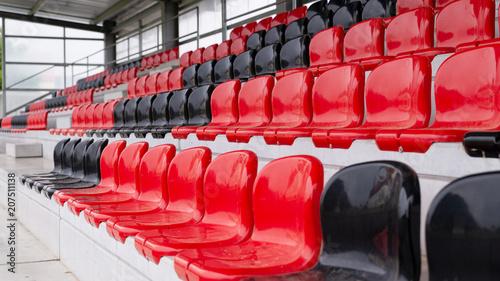 Plakat pusty trybun, stadion piłkarski, piłka nożna pustych widzów