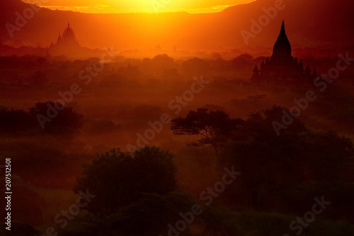 Tuinposter Rood paars Myanmar. Sunsets in the Kingdom of Bagan