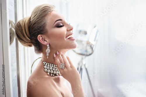 Printed kitchen splashbacks Artist KB Portrait of an elegant lady wearing expensive jewelry
