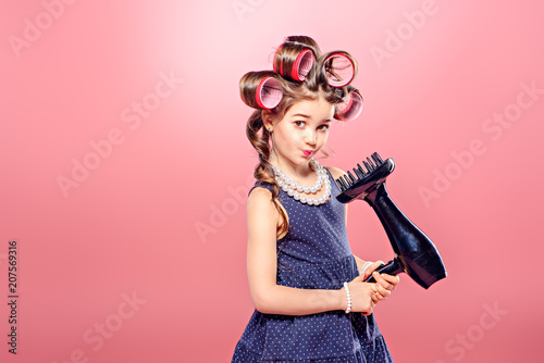 Tuinposter Kapsalon hairstyle for little lady