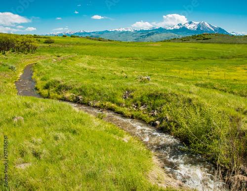 Foto op Canvas Pistache Mountain Ranch