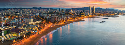 Poster de jardin Europe Méditérranéenne Barcelona beach on morning sunrise