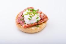Egg Benedict Delish Food, Crispy Bacon