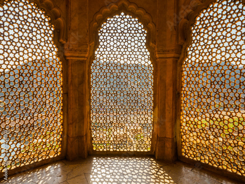 Fotografia Perforated wall in the building of the palace in the Amber Fort, Jaipur, Rajasthan State