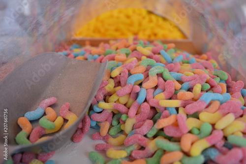 Foto op Aluminium Snoepjes bunte Süßigkeiten auf dem Markt