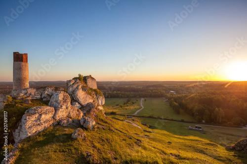 Fototapeta Ruiny zamku Osztyn część szlaku orlich gniazd. Jura krakowsko-częstochowska obraz