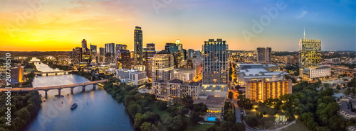 Autocollant pour porte Texas Austin Skyline in the evening