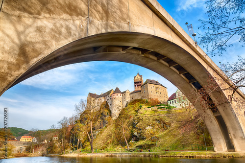 Amazing landmark in Czech Republic, near Karlovy Vary Loket middleaged castle wi Fototapet