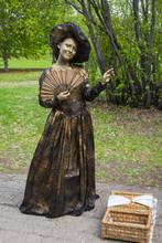 Live Sculptures In Togliatti V...