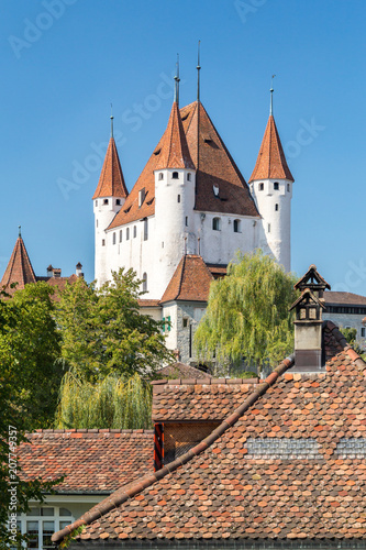 Keuken foto achterwand Historisch geb. Schloss Thun am Thunersee in der Schweiz