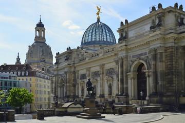 Fototapeta na wymiar Residenzschloss und Brühlsche Terrasse, Dresden