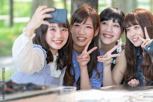 Fotografía  女子会イメージ 女子旅 複数